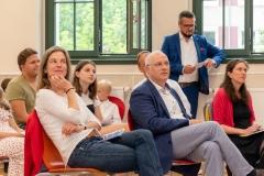 DIG feiert Jubiläum. Anna Manser und Dietmar Linde, Vorstand der Stiftung Evangelische Jugendhilfe St. Johannis