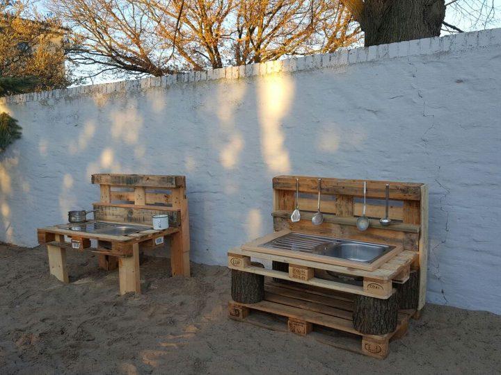 Holzspielplatz Matschtische