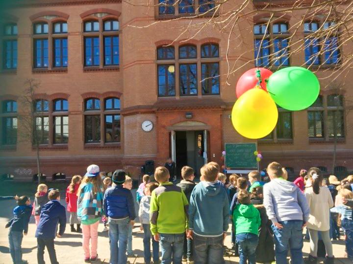 "Hort ""Bunte Welt"" feiert 7. Namenstag"