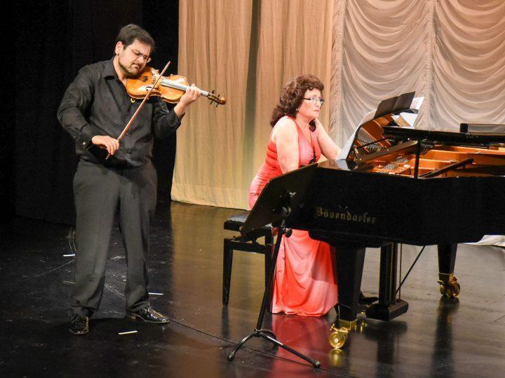 Shanna Griniwa und David Malaev; Foto: Lothar Semlin